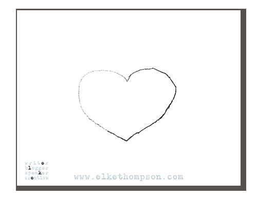 Ein auf einen Zettel gemalter Umriss eines Herzens